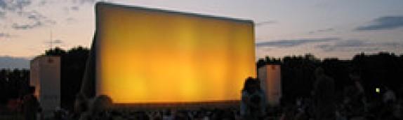 Paryskie wieczory filmowe pod gołym niebem